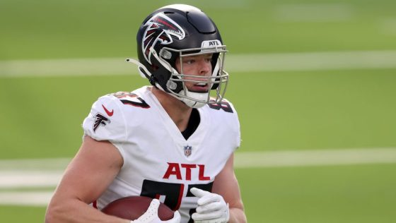 Falcons re-sign Jaeden Graham